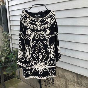 Black/white brocaded top